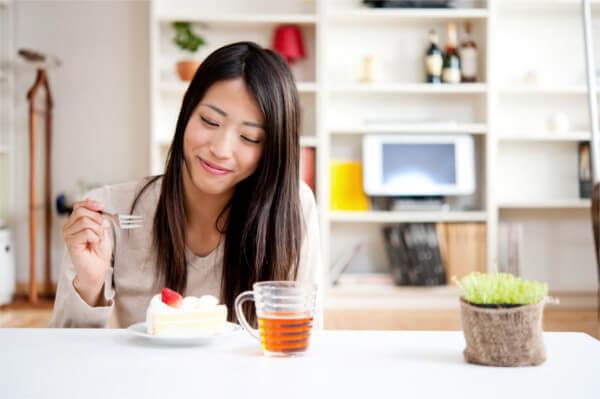 原因1:下半身太りは食べ物や飲み物