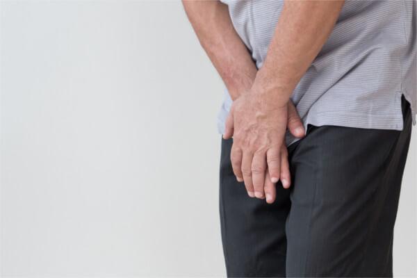 骨盤底筋群の衰えによる男性特有の排尿後尿滴下とは?