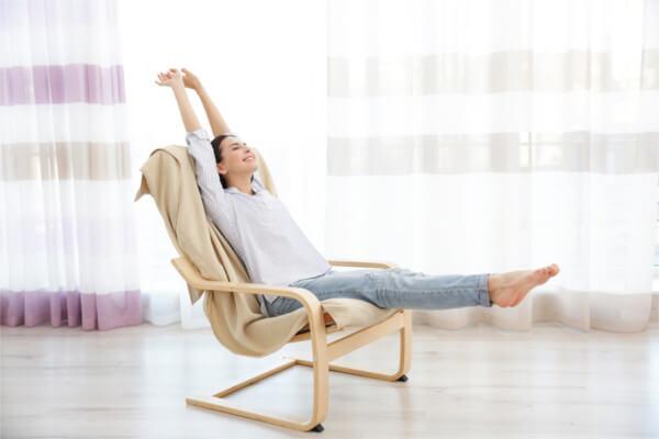 1.座りながらできる足のむくみ解消方法