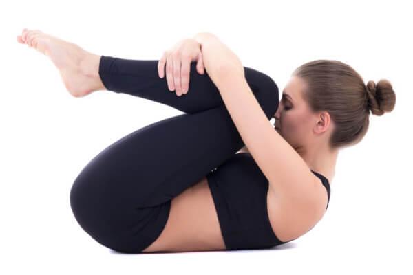 産後の骨盤矯正ストレッチ・骨盤体操その3.腿上げ